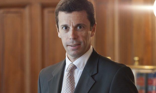 Tras nuevas disposiciones del Gobierno expertos analizan el futuro de los contratos de energías renovables en Argentina