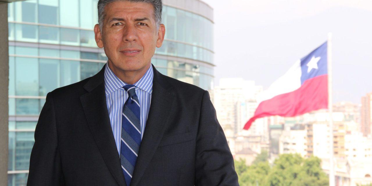 Piñera designa a Luis Ávila como superintendente de Electricidad y Combustibles en Chile