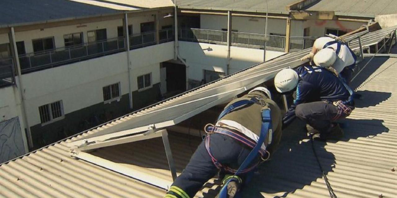 Proinged avanza con la licitación para solar fotovoltaica y térmica en 128 complejos educativos de Buenos Aires