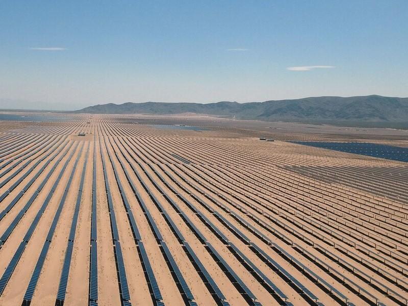 Una empresa estatal se asocia con Latinoamericana de la Energía para construir parque solar en Catamarca