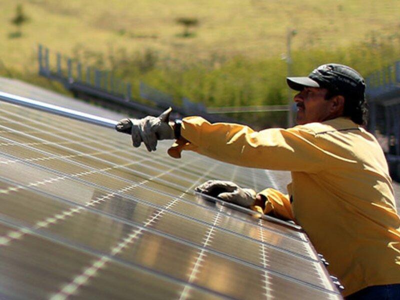 El Gobierno prepara medidas que permiten a la fotovoltaica competir con hidroeléctrica en Paraguay