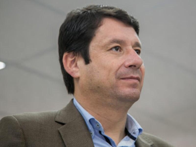 """Esteban Albornoz: """"En Ecuador es absurdo ir hacia el gas"""""""