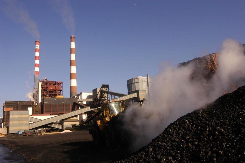 Coordinador Eléctrico advierte aumentos de precios con la salida anticipada de las plantas a carbón en Chile