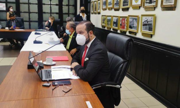 Empresarios costarricenses defendieron ante diputados proyecto que impulsa generación distribuida