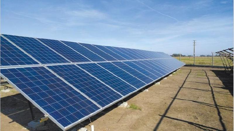La CREG evalúa la conexión de proyectos renovables desde 5 MW en líneas de media tensión