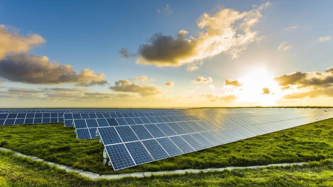 Colombia se prepara para la inauguración de un parque solar que abastecerá a 27 tiendas