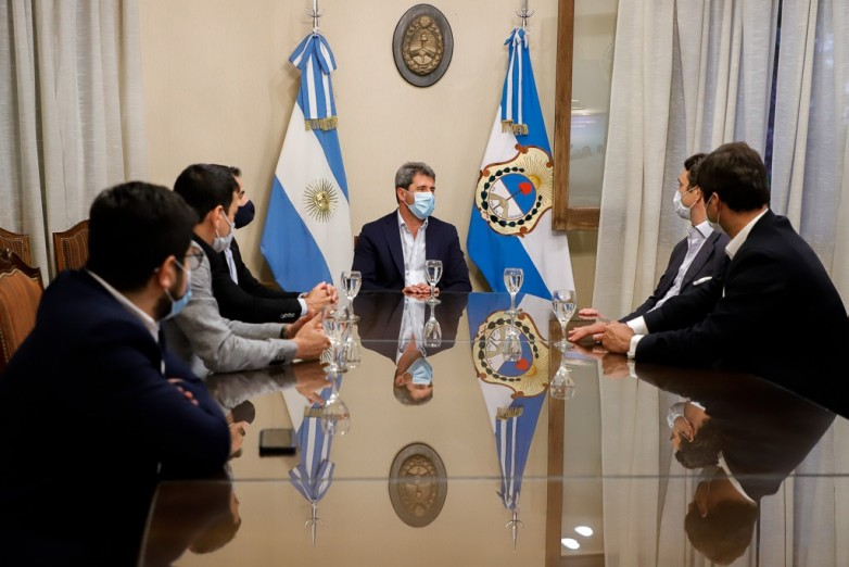 Grupo Neuss se reunió con Uñac para invertir en energías renovables en San Juan