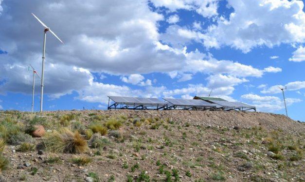 Preadjudican obra para montaje de una minired eólica y solar en Río Negro