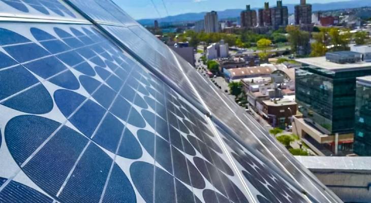 Chile sumó 2 MW de Generación Distribuida durante octubre y supera los 25.000 MW