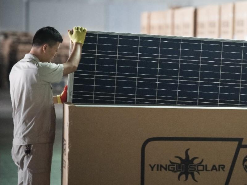 Ingresan los primeros contenedores de módulos Yingli que comercializará Enersis en México