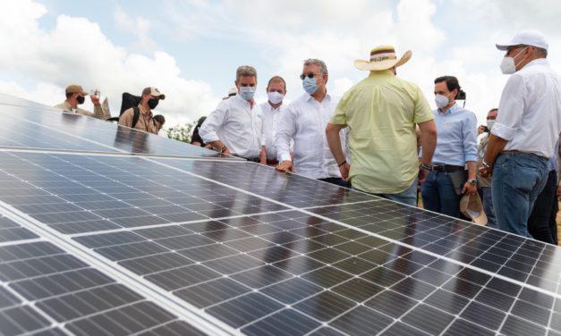 Colombia inaugura esta semana dos parques solares fotovoltaicos