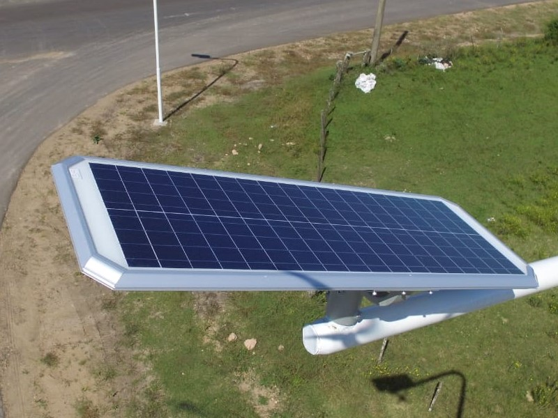 Dos empresas se alían para impulsar la comercialización de luminarias solares en Argentina