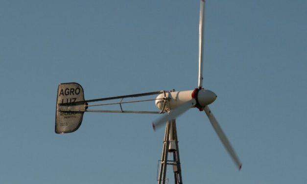 Comprueban el éxito de sistemas híbridos eólicos y solares con baterías de litio en residencias