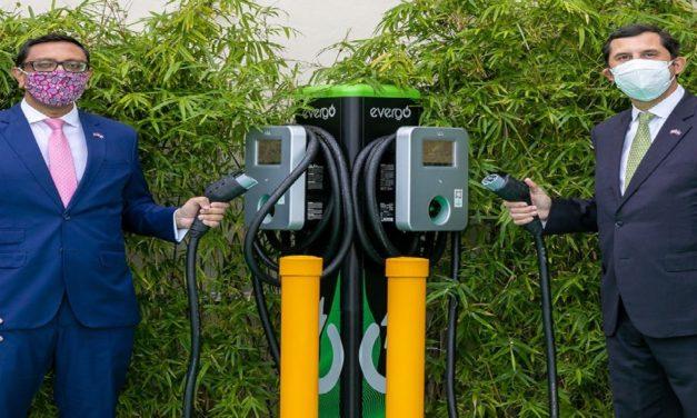 InterEnergy firma iniciativa global para acelerar transición a vehículos eléctricos