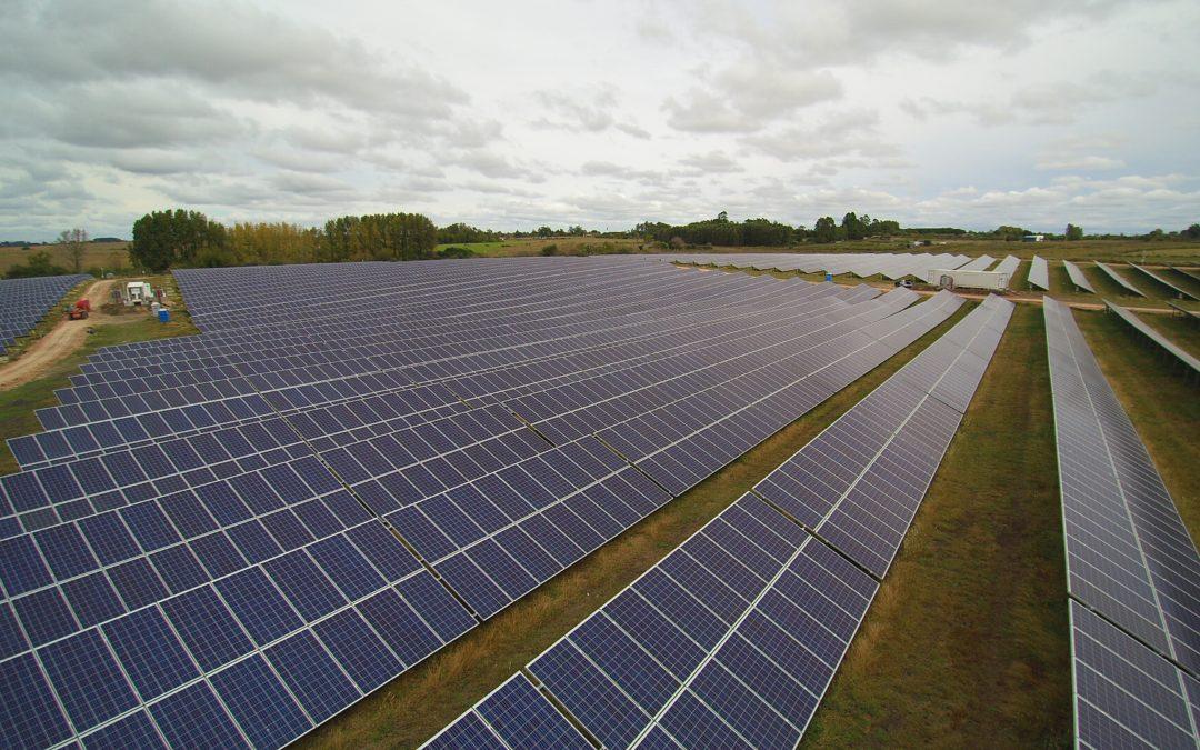 BID Invest emite el cuarto bono para el financiamiento de energía renovable en Uruguay
