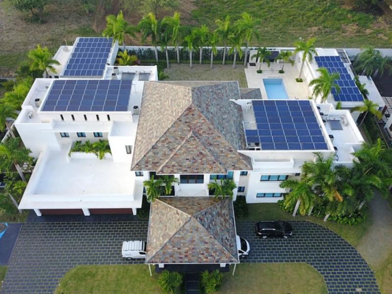Nueva extensión del toque de queda en República Dominicana complica a instaladores solares