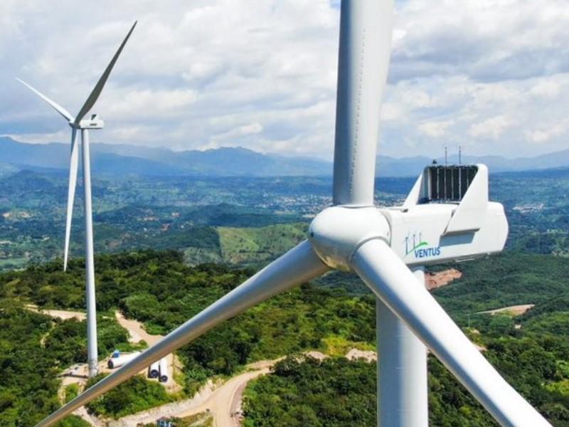 Las energías renovables crecen mientras las tarifas eléctricas disminuyen en El Salvador