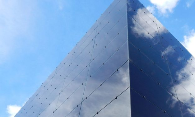 Integración fotovoltaica vertical: este año podrían cubrirse 10000 m2 con vidrios de silicio amorfo en Panamá