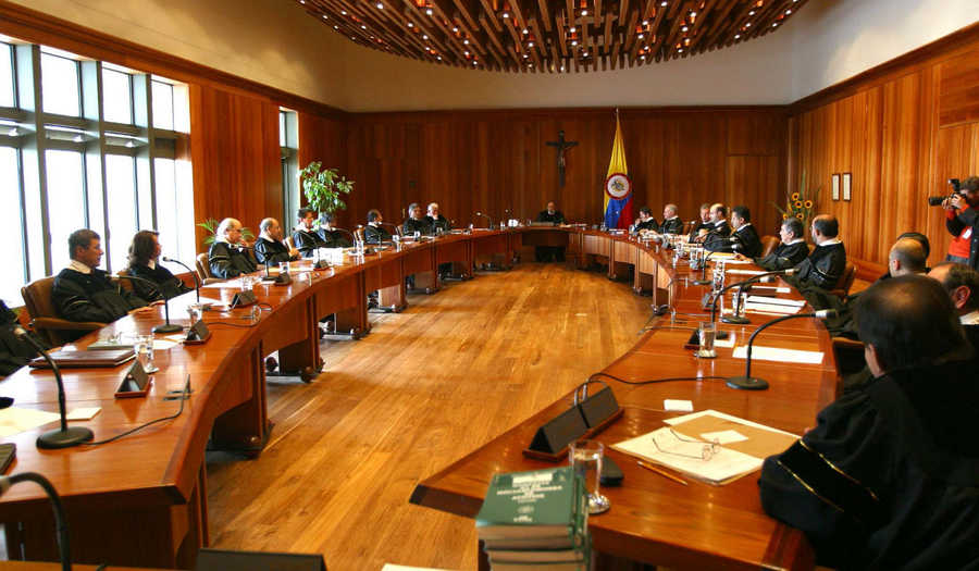 Dos fallos judiciales respaldan al Gobierno de Colombia en su política de energías renovables