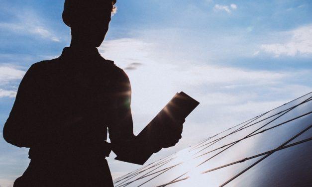 Panamá analiza las figuras del comercializador de energía, el prosumidor y solar comunitaria