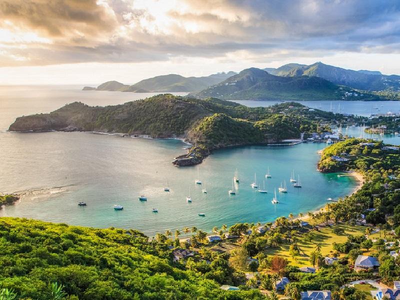 Islas del Caribe abren juego a inversiones en energía eólica y solar