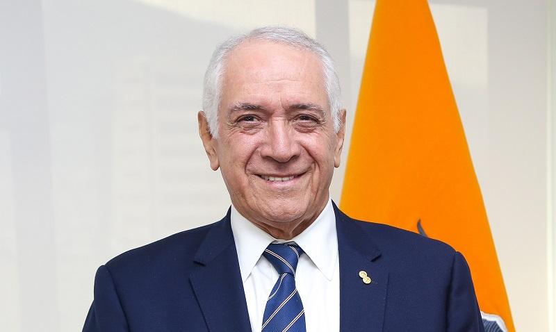 """René Ortiz: """"Vamos a hacer que las industrias en Ecuador utilicen electricidad limpia"""""""