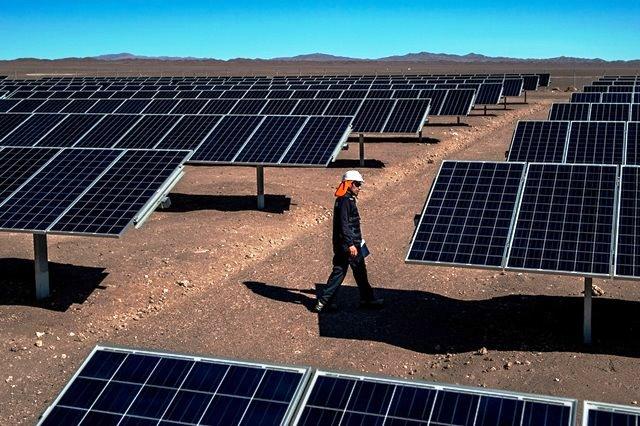La solar fotovoltaica arrasa en Chile con nuevos proyectos en etapa de prueba y construcción