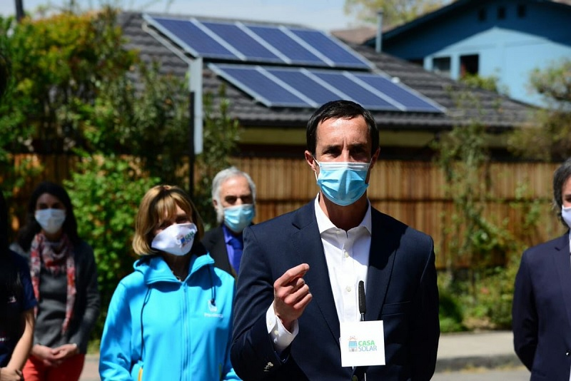 """Jobet: """"Con el Programa Casa Solar logramos disminuir más de un 30% el costo de los sistemas fotovoltaicos»"""