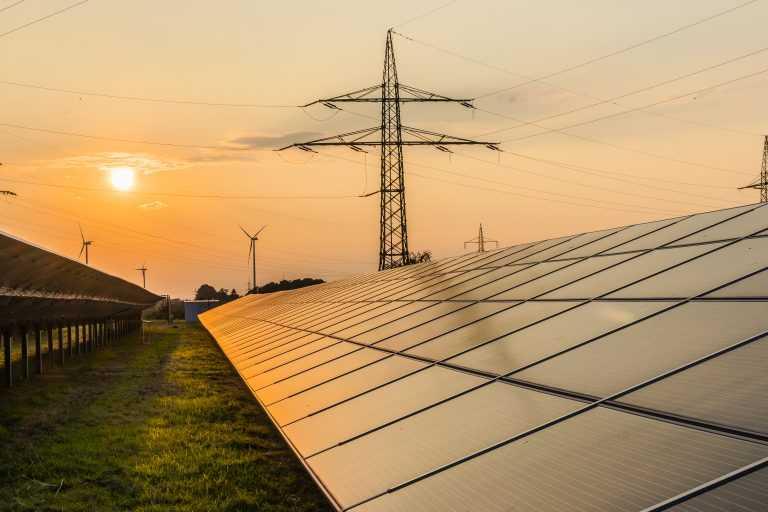 Análisis: Los pros y los contras de la resolución que regula transmisión eléctrica en Colombia