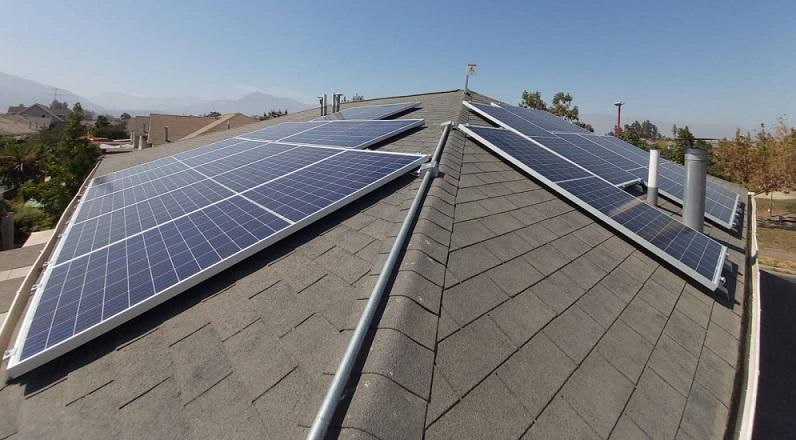 Flux Solar adjudicó para dos licitaciones de paneles solares en 300 viviendas de las comunas de La Florida y Talca