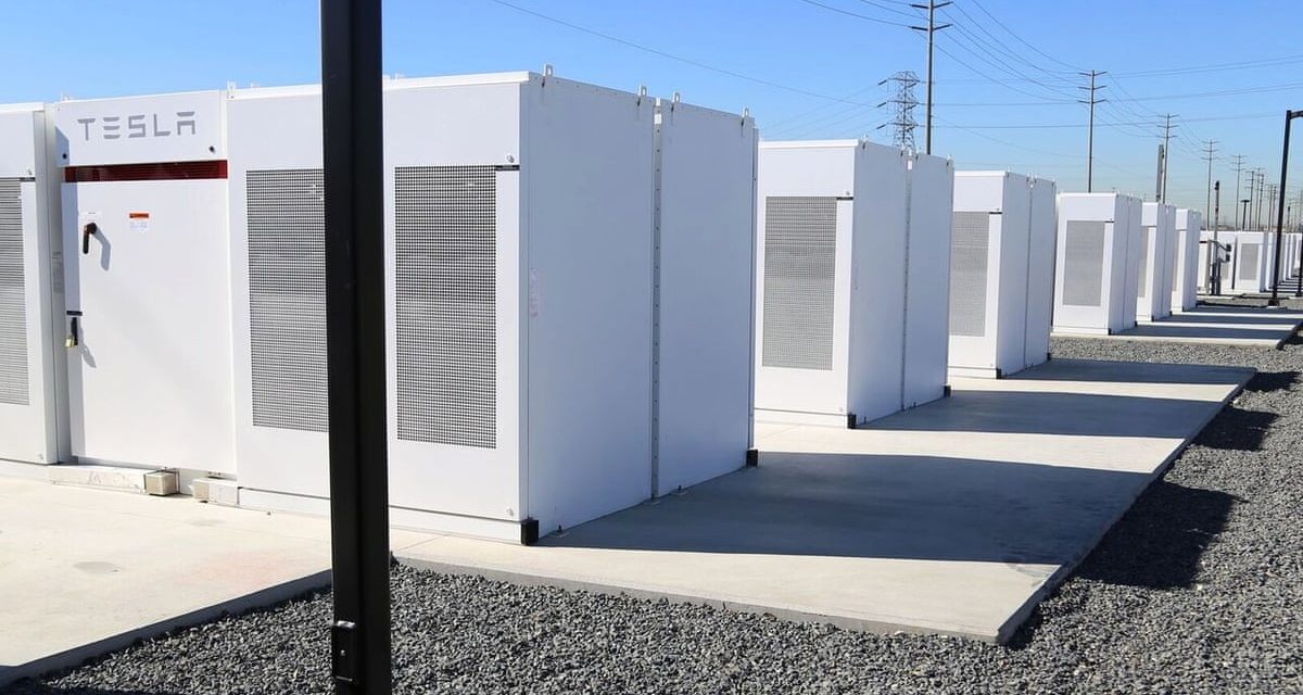 Diez empresas compiten para quedarse con la subasta de baterías por 50 MW de Colombia