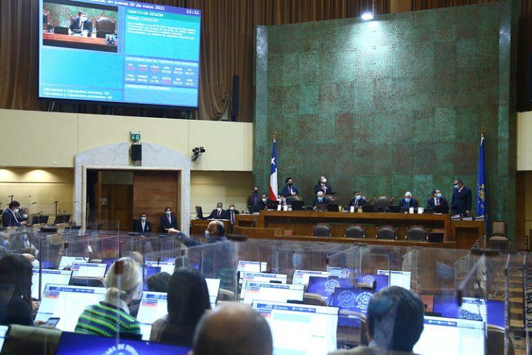 Negocian en el Senado para acelerar meta de descarbonización al 2030 en Chile