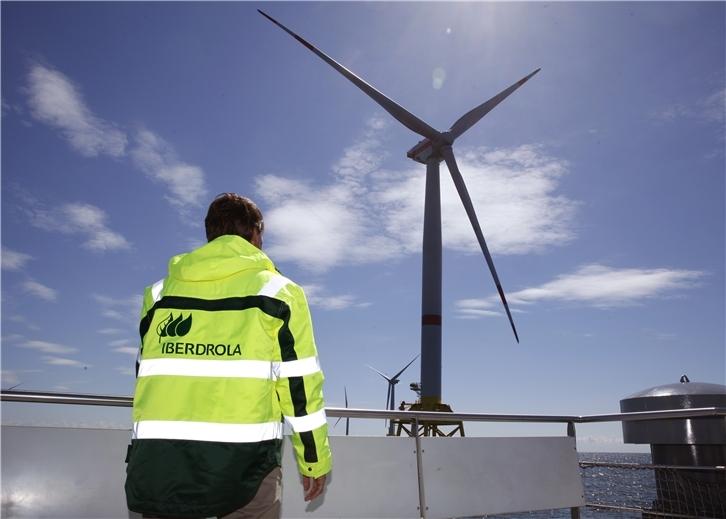 Iberdrola estudia la viabilidad de casi 1.000 MW de eólica marina flotante frente a la costa de Galicia