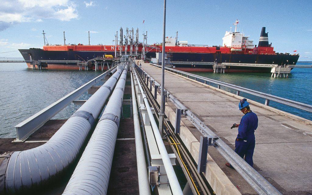 Congreso discute la nueva norma técnica sobre gas inflexible y la CNE mantiene su postura: las renovables en el eje de debate
