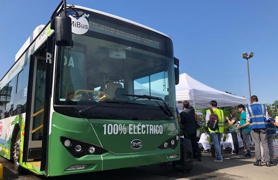 Panamá aprobó en primer debate la ley de incentivos a la movilidad eléctrica