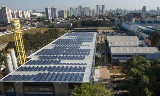 Consenso parlamentario para nueva ley que fomenta generación renovable distribuida a consumidores en Brasil