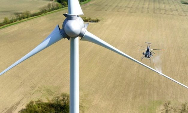 Las empresas Sinaer y CertAer presentan lavador de aisladores, aerogeneradores y parques FV desde helicópteros