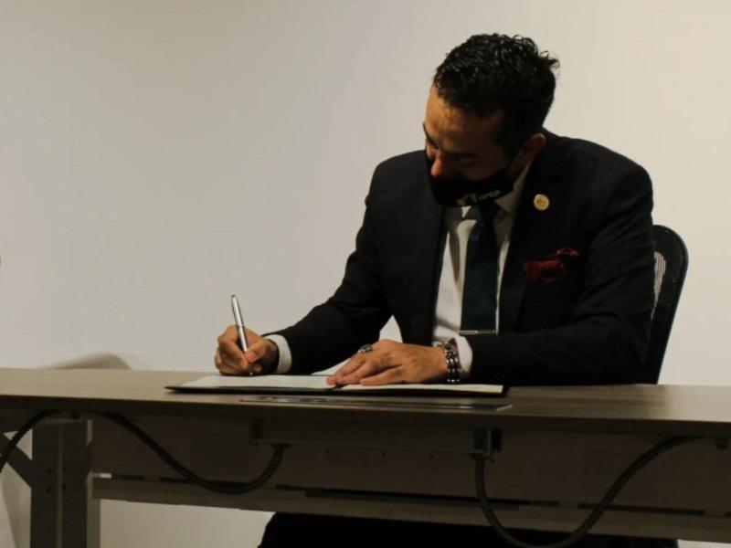 La Cámara de profesionales de la energía fotovoltaica rechaza la reforma constitucional