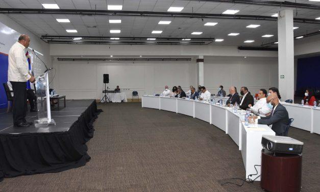 Almonte ratificó ante organismos de crédito subastas de renovables en 2022 para República Dominicana