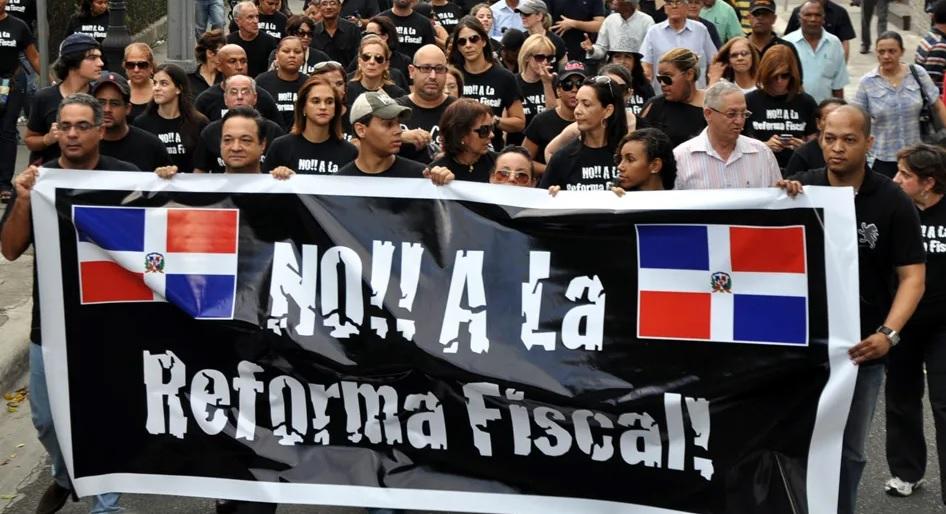 Asociaciones cuestionan reforma fiscal que elimina incentivos a las renovables y movilidad eléctrica en República Dominicana